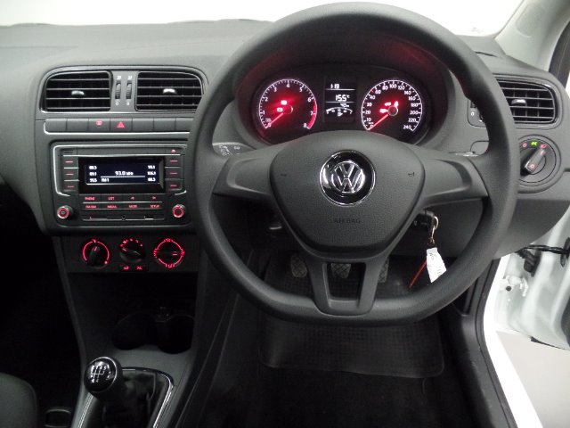 VOLKSWAGEN POLO VIVO GP 1.4 TRENDLINE PURE WHITE