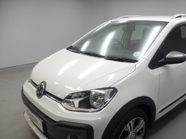 2016 VOLKSWAGEN CROSS UP! 1.0 5DR