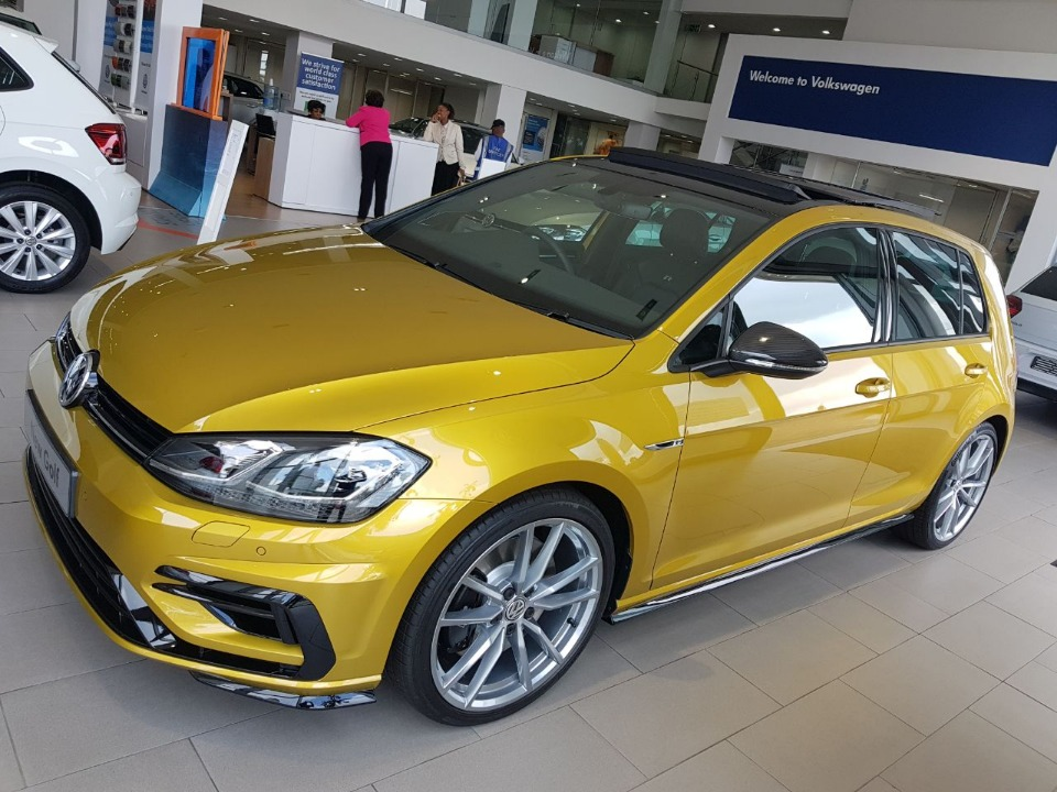2018 turmeric yellow meta volkswagen golf vii 2 0 tsi r dsg only r 668645. Black Bedroom Furniture Sets. Home Design Ideas