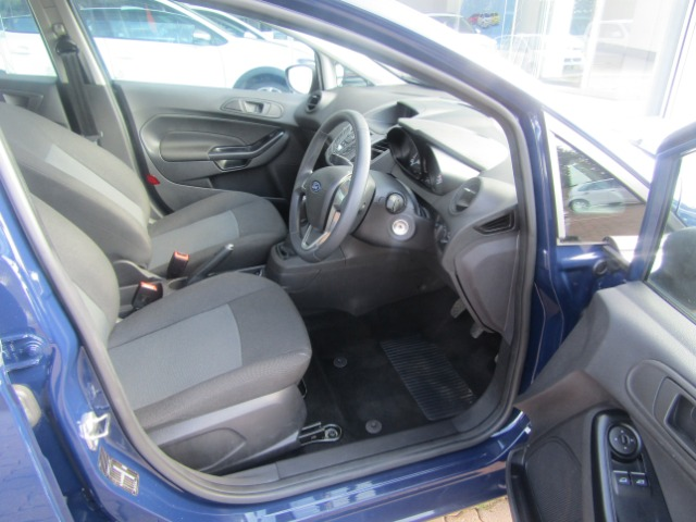 FORD FIESTA 1.4 AMBIENTE 5 Dr Blue