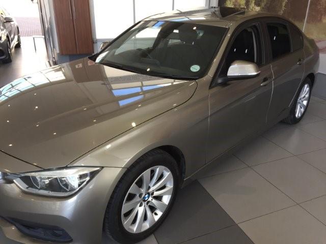 2016 BMW 318i SPORT LINE A/T (F30)