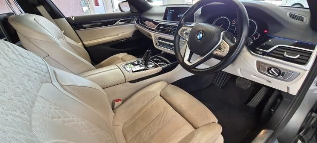 2016 BMW 750i M SPORT (G11)