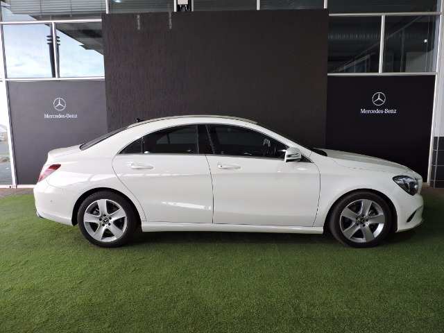 MERCEDES-BENZ CLA200d URBAN A/T Calcite White (650E)
