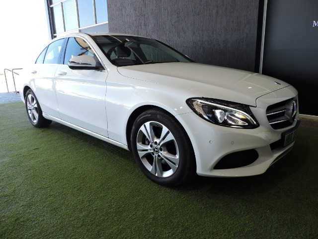 MERCEDES-BENZ C220 BLUETEC AVANTGARDE A/T Polar White (149U)