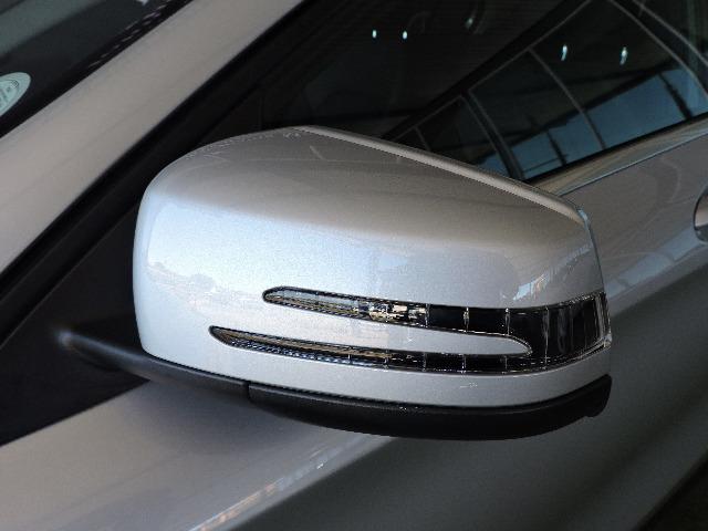 MERCEDES-BENZ GLA 200 A/T polar silver metallic