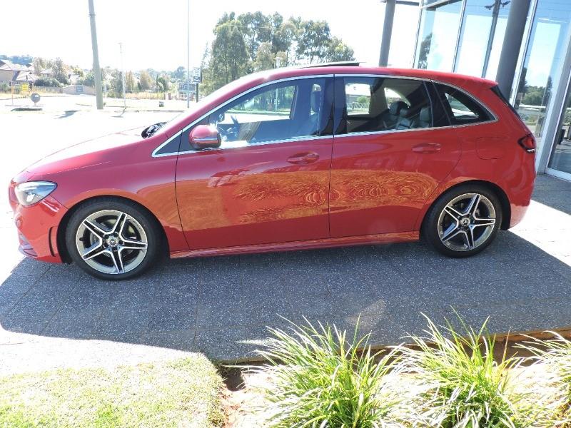 MERCEDES-BENZ B200d A/T (W247) jupiter red