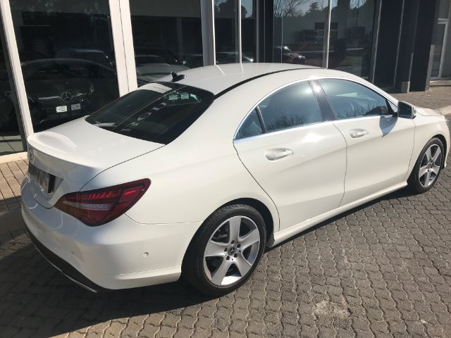 MERCEDES-BENZ CLA200d A/T Calcite White (650E)