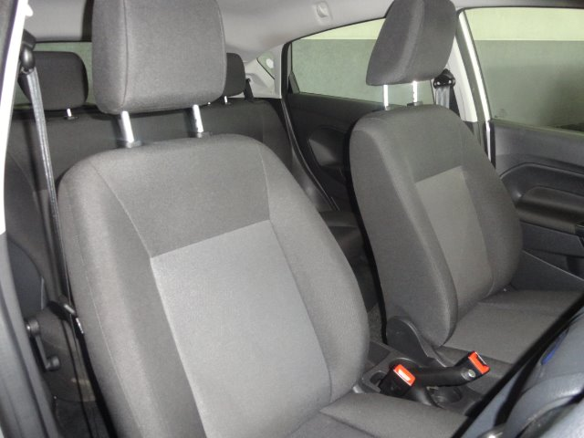 FORD FIESTA 1.4 AMBIENTE 5 Dr