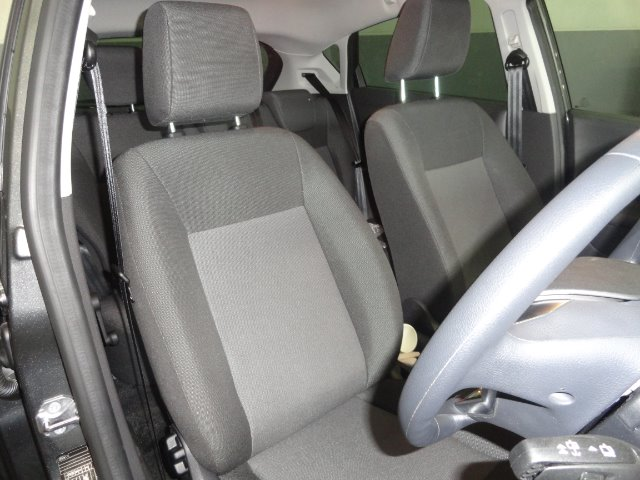 FORD FIESTA 1.4 AMBIENTE 5 Dr Magnetic