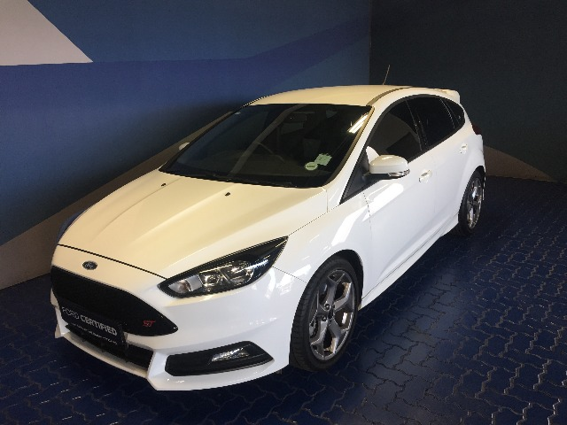 FORD FOCUS 2.0 ECOBOOST ST1