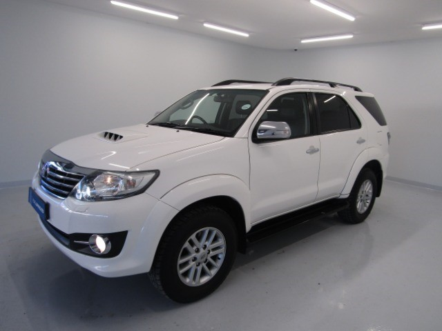 2015 TOYOTA FORTUNER 3.0D-4D R/B A/T