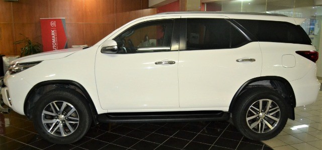 TOYOTA FORTUNER 2.8GD-6 4X4 A/T White
