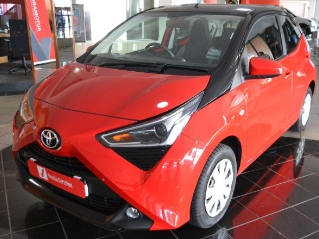 TOYOTA AYGO 1.0  X-PLAY (5DR) Cherry Red