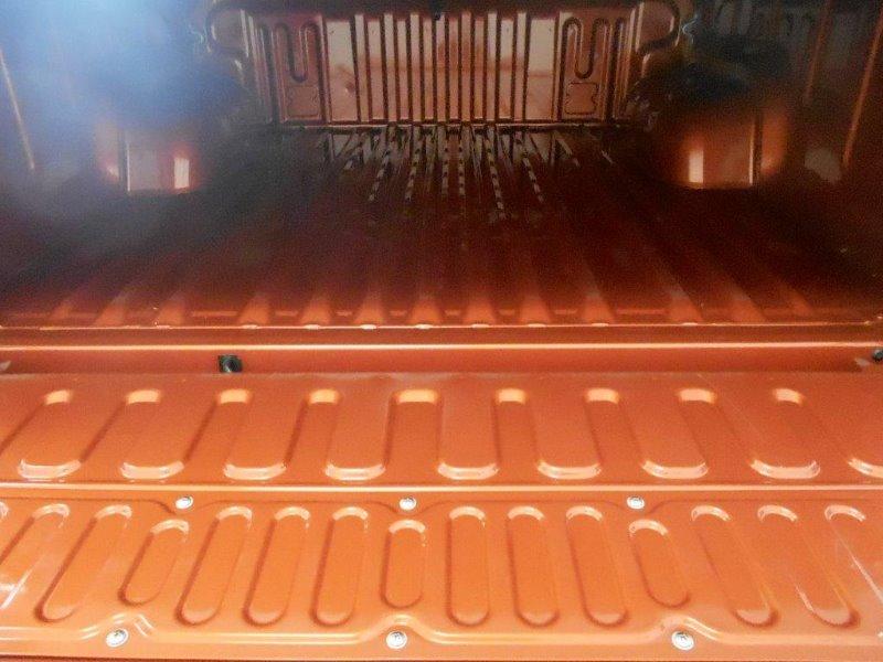 TOYOTA HILUX 2.8 GD-6 RAIDER 4X4 A/T P/U D/C Orange