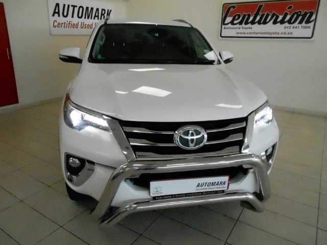 TOYOTA FORTUNER 2.8GD-6 4X4 White