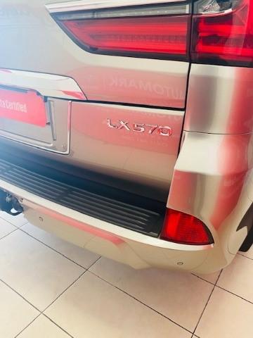 2018 LEXUS LX 5.7 V8