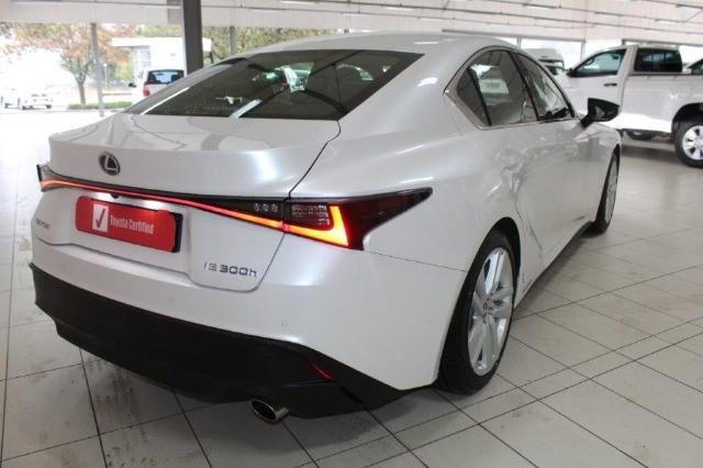 2021 LEXUS IS 300h EX