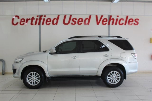 TOYOTA FORTUNER 3.0D-4D R/B A/T (2011-9) - (2016-12) Sterling Silver