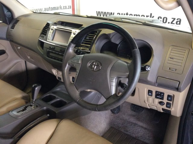 TOYOTA FORTUNER 3.0D-4D R/B A/T (2011-9) - (2016-12) Grey