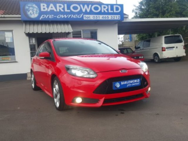 FORD FOCUS 1.6 Ti VCT TREND 5DR (2011-7) - (2015-10) Red