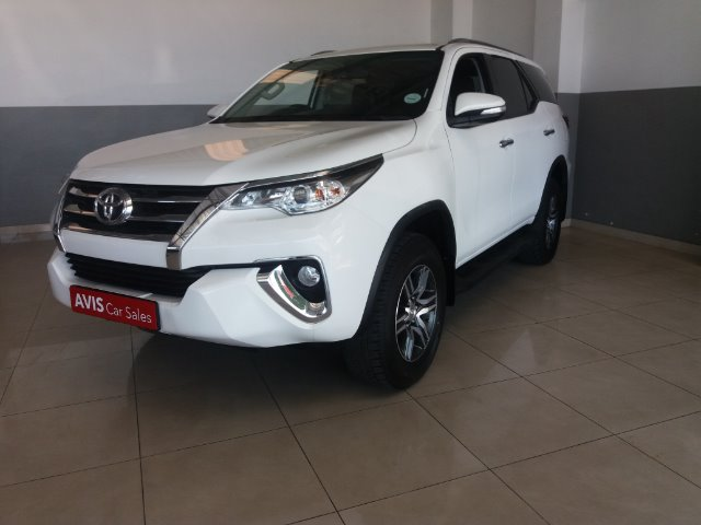 TOYOTA FORTUNER 2.4GD-6 R/B A/T White