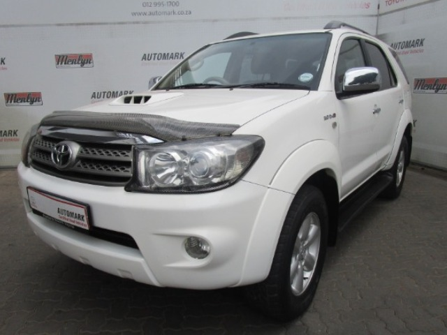 TOYOTA FORTUNER 3.0D-4D R/B 4X4 (2009-1) - (2011-9)