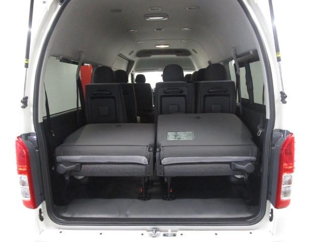 2021 TOYOTA QUANTUM 2.8 GL 14 SEAT