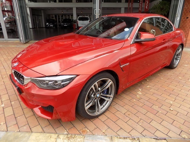 BMW M4 CONVERTIBLE M-DCT (F83)