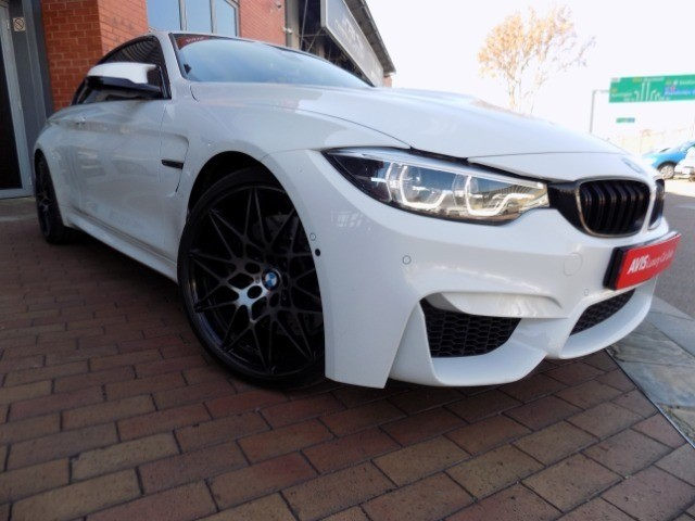 BMW M4 CONVERTIBLE M-DCT COMPETITION (F83)