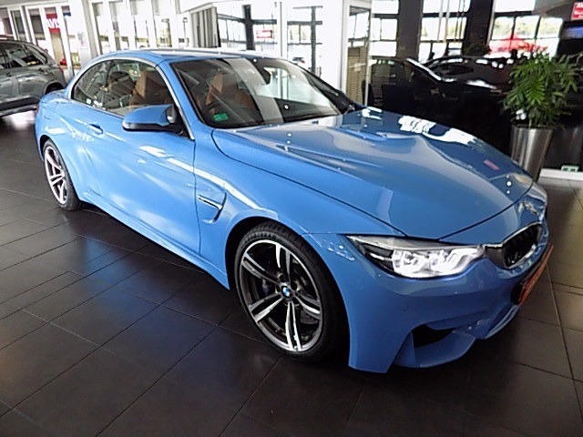 BMW M4 CONVERTIBLE M-DCT (F83)