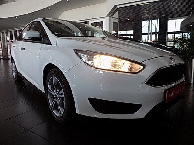FORD FOCUS 1.0 ECOBOOST AMBIENTE WHITE