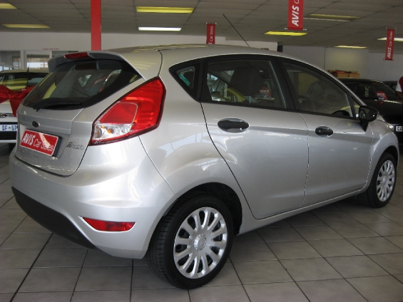 FORD FIESTA 1.4 AMBIENTE 5 Dr Silver