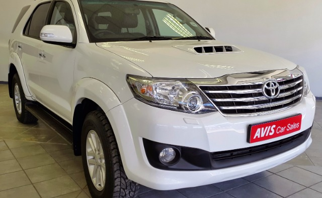 TOYOTA FORTUNER 3.0D-4D R/B A/T (2011-9) - (2016-12)
