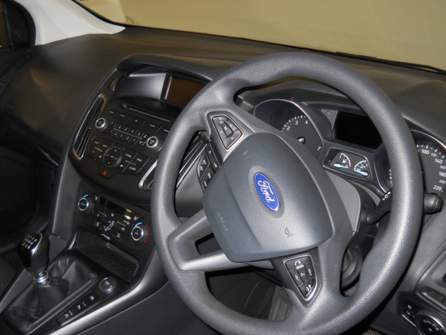 FORD FOCUS 1.0 ECOBOOST TREND 5Dr Brown