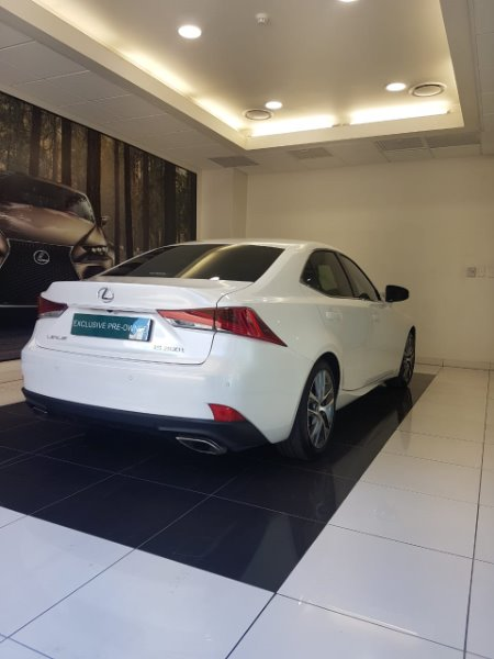 LEXUS IS 200T EX/300 EX Quartz White CS