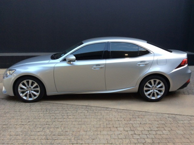 2016 LEXUS IS 200T EX/300 EX