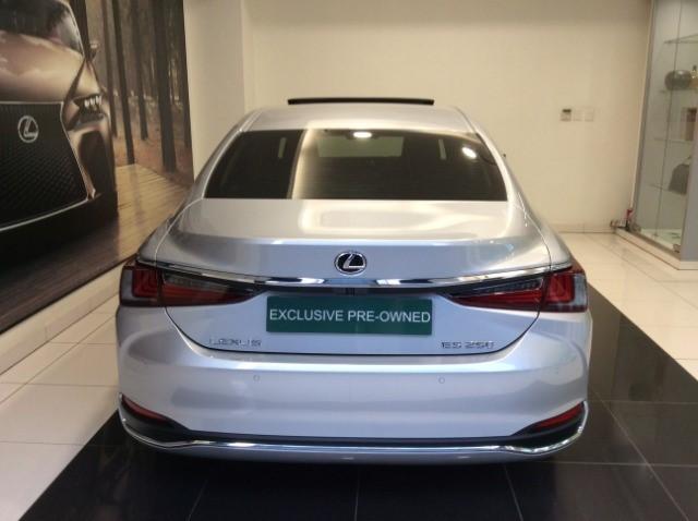 2020 LEXUS ES 250 EX
