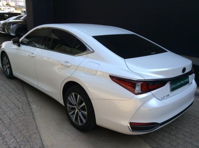 2021 LEXUS ES 250 EX