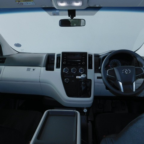 2021 TOYOTA QUANTUM 2.8 GL 11 SEAT