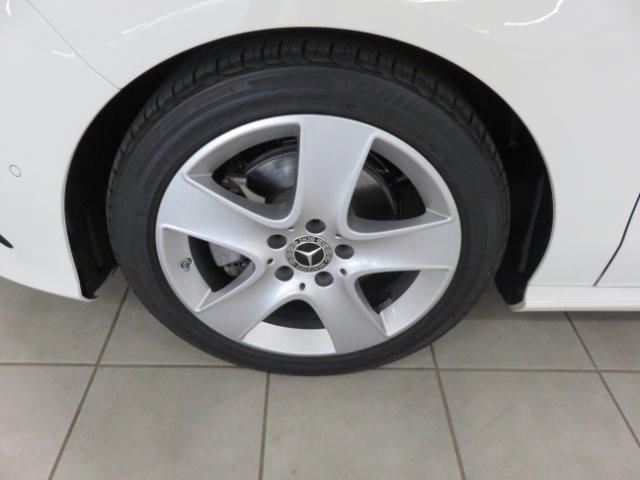 MERCEDES-BENZ CLA200d A/T White