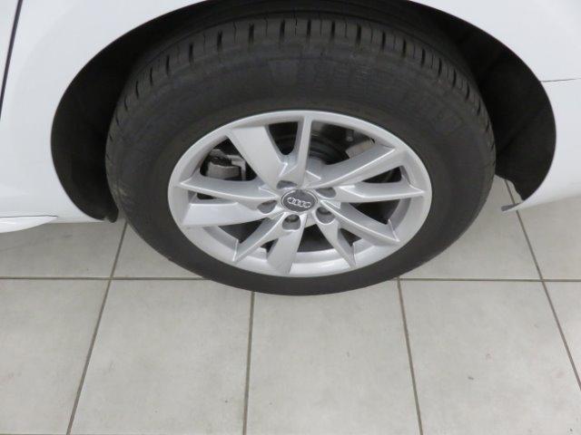 AUDI A4 1.4T FSI STRONIC (B9) White