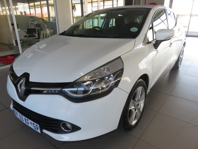 2015 RENAULT CLIO IV 900 T EXPRESSION 5DR (66KW)