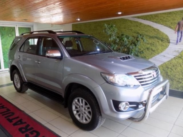 TOYOTA FORTUNER 2.5D-4D RB A/T (2012-9) - (2016-12)