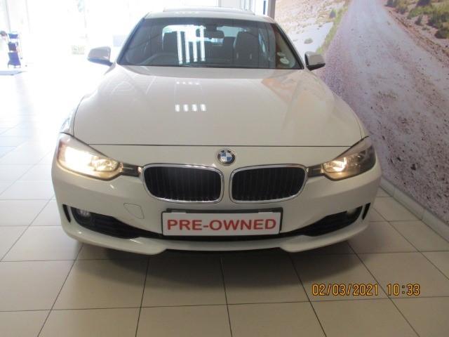 2013 BMW 320i  A/T (F30)